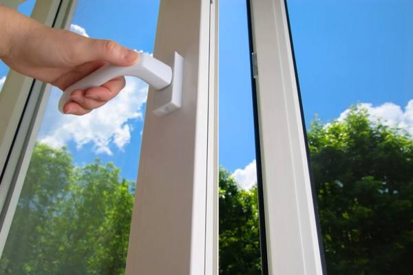 Как убедить пожилых родителей перейти на пластиковые окна