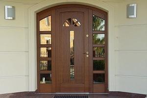 пластиковая дверь для частного дома