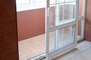 Пластиковые двери на балкон №3