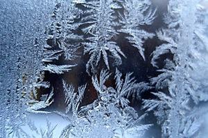 Почему замерзают окна на балконе и лоджии