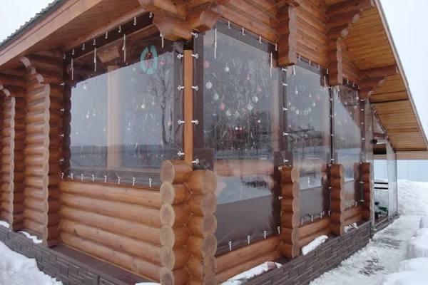 Пластиковые шторы на веранду