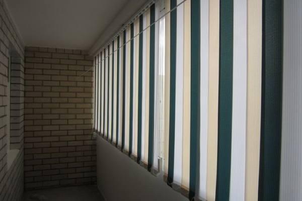 жалюзи на балкон фото