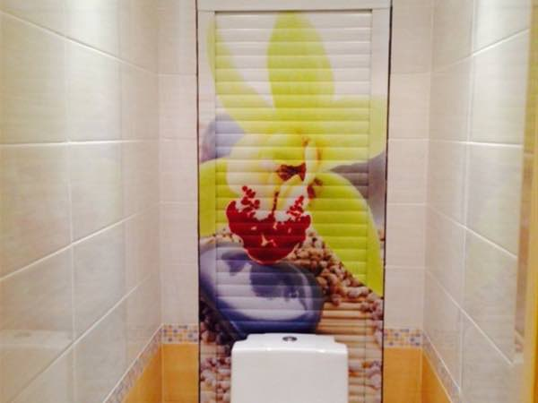 Сантехнические рольставни в туалете и их особенности №4