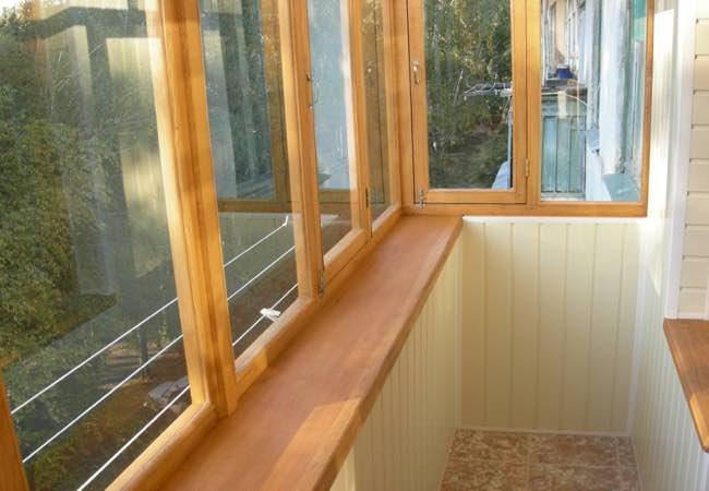 остекление лоджии и балкона деревом