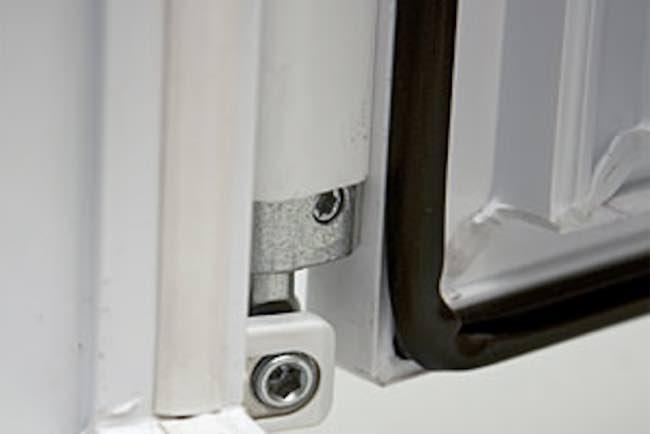 Замена уплотнителя в пластиковых окнах №5