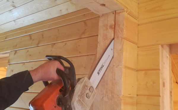 оконный проём в деревянном доме