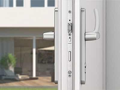 многозапорный замок для пластиковой двери